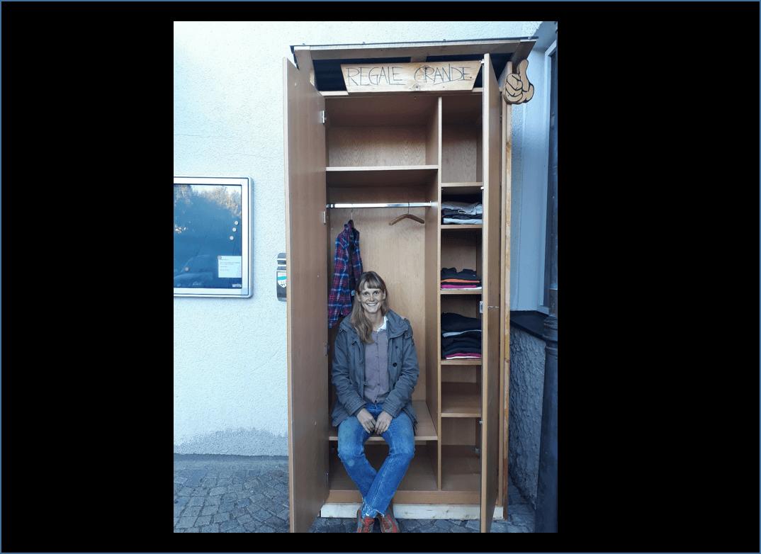Maria Oettl & der Kleidertauschschrank (c) Campus St. Michael